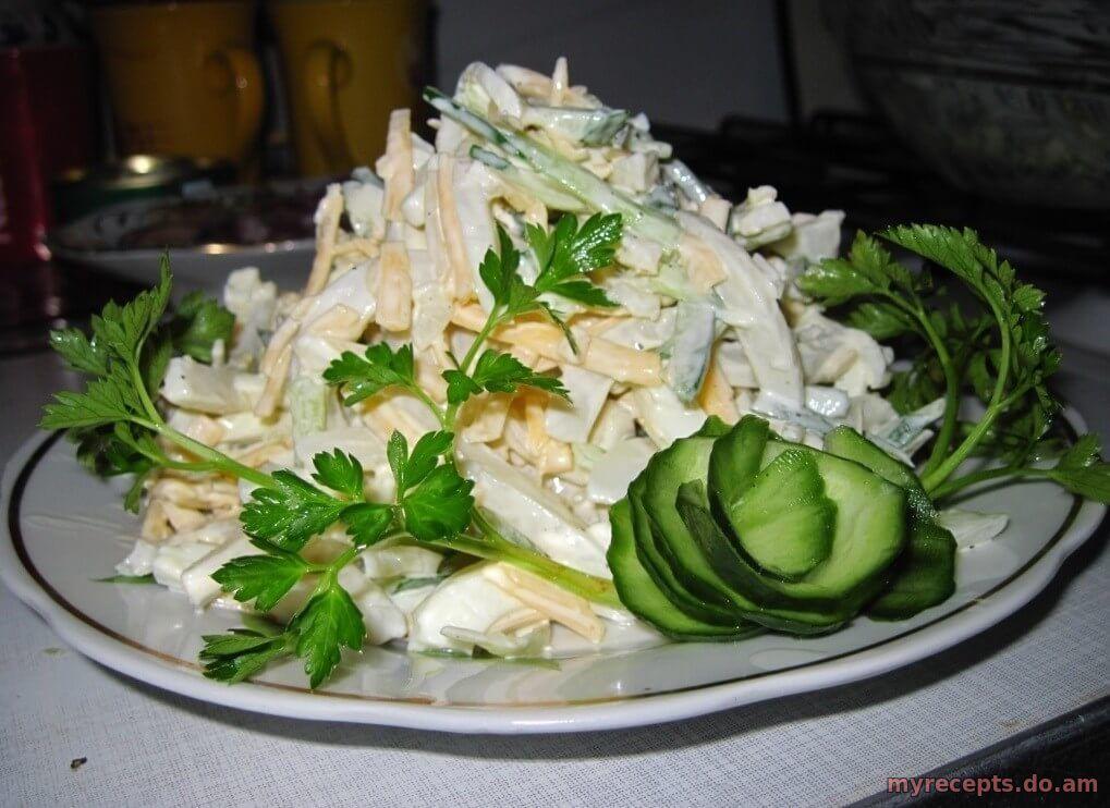 Кальмары простой салат рецепт