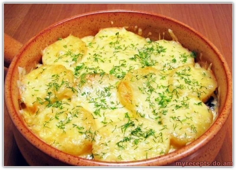 Приготовить запеканку из картофеля и грибов